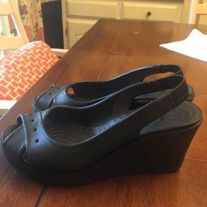 Black crocs wedge